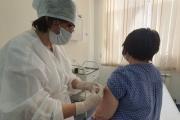 Продолжается вакцинация прикрепленного населения против коронавирусной инфекции